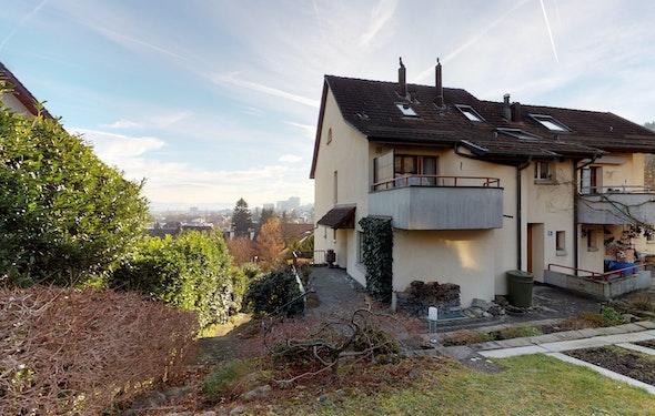 Gut unterhaltenes Reiheneckhaus in Zürich