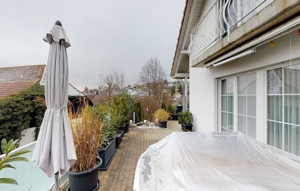 Süd-West-Sicht und grosszügige Terrasse