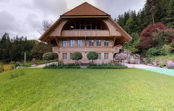 Neuwertiges Emmentaler Bauernhaus